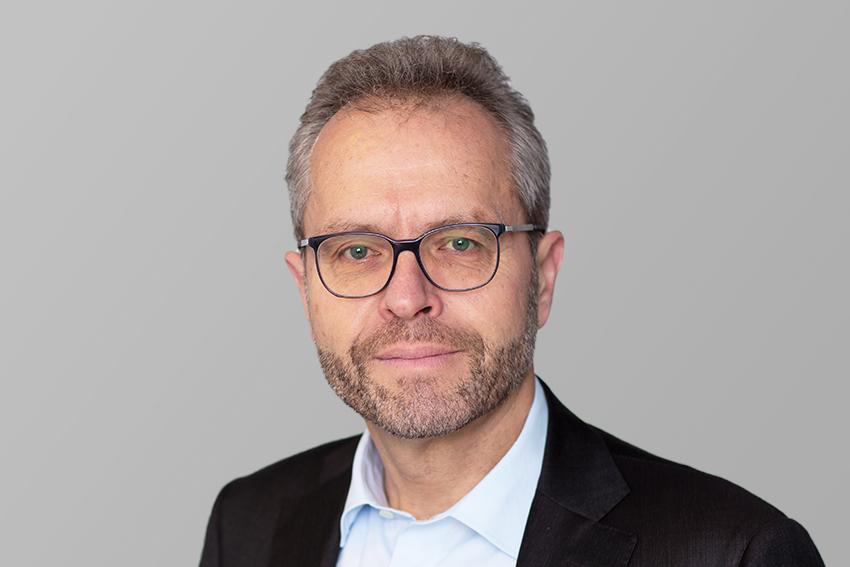 Thomas R. Schönbächler